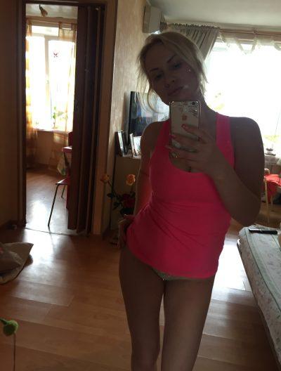 Милая студенточка пригласит в гости мужчину в Костроме