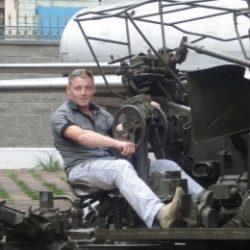 Я молодой, симпатичный парень из Москвы. Ищу девушку для приятного дружеского секса
